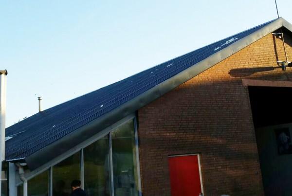 Nieuw dak van golfpaten