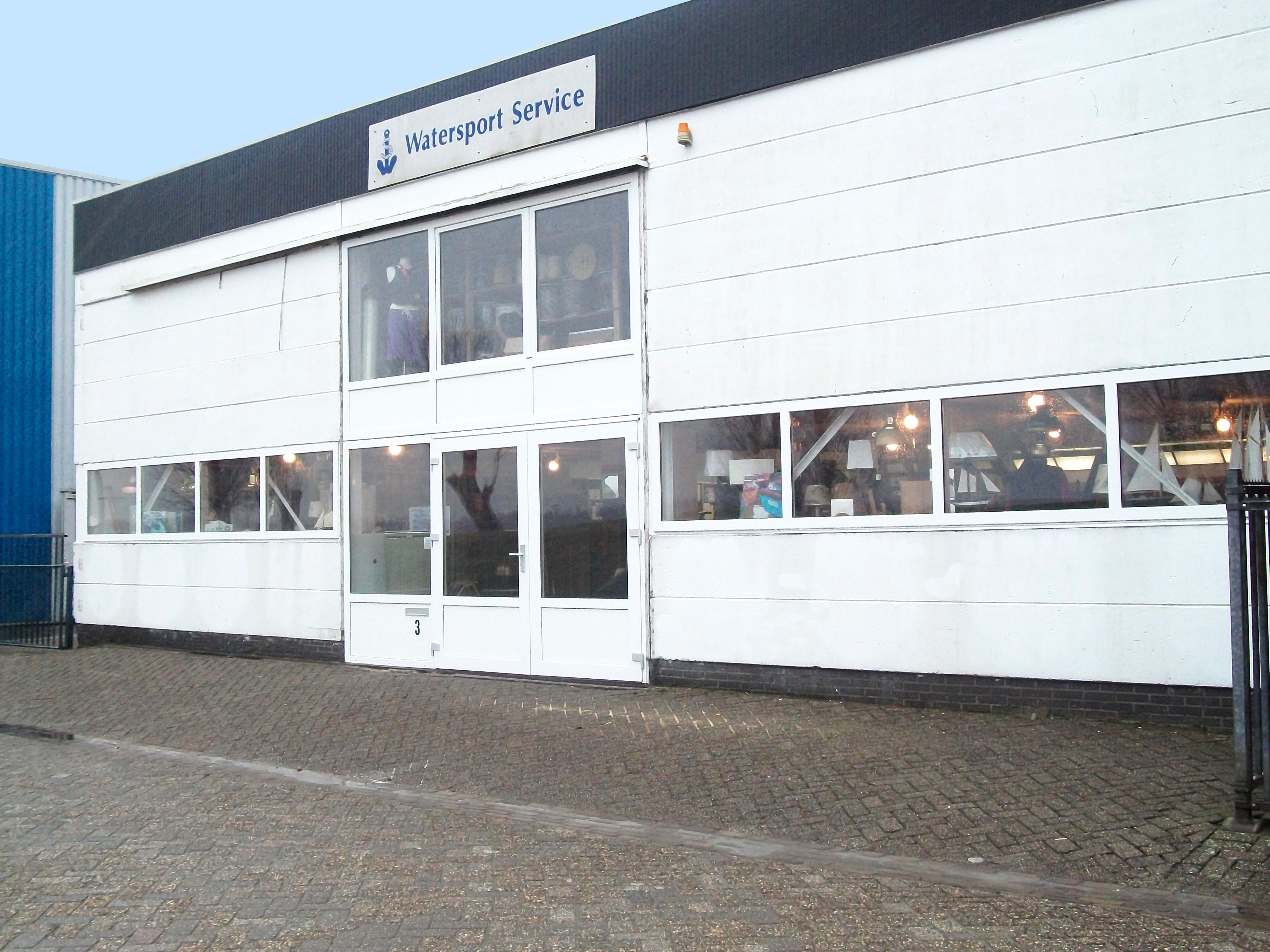 R&D bouw Lage Zwaluwe, Nieuwe kozijnen